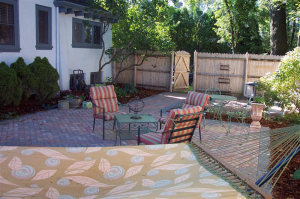 Milwaukee multi-colored brick patio, backyard hardscaping design